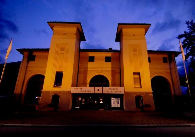 Palazzo delle Feste, notturno (foro Gian Spagnolo)