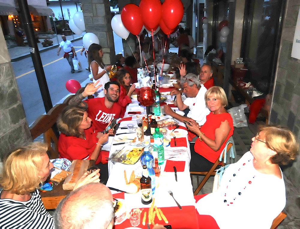 Cena in bianco e rosso - Via Medail Bardonecchia
