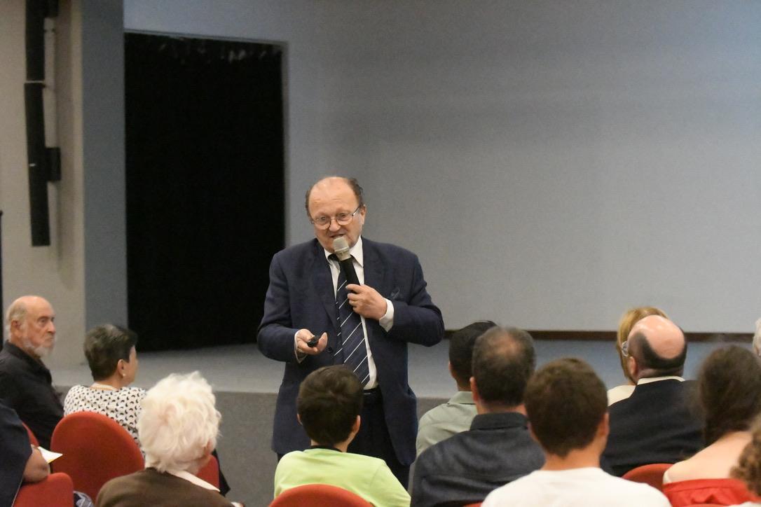 """BARDONECCHIA: CONFERENZA  """"I GIOVANI TALENTI: UNA RISORSA VITALE CHE EMIGRA DALL'ITALIA"""""""